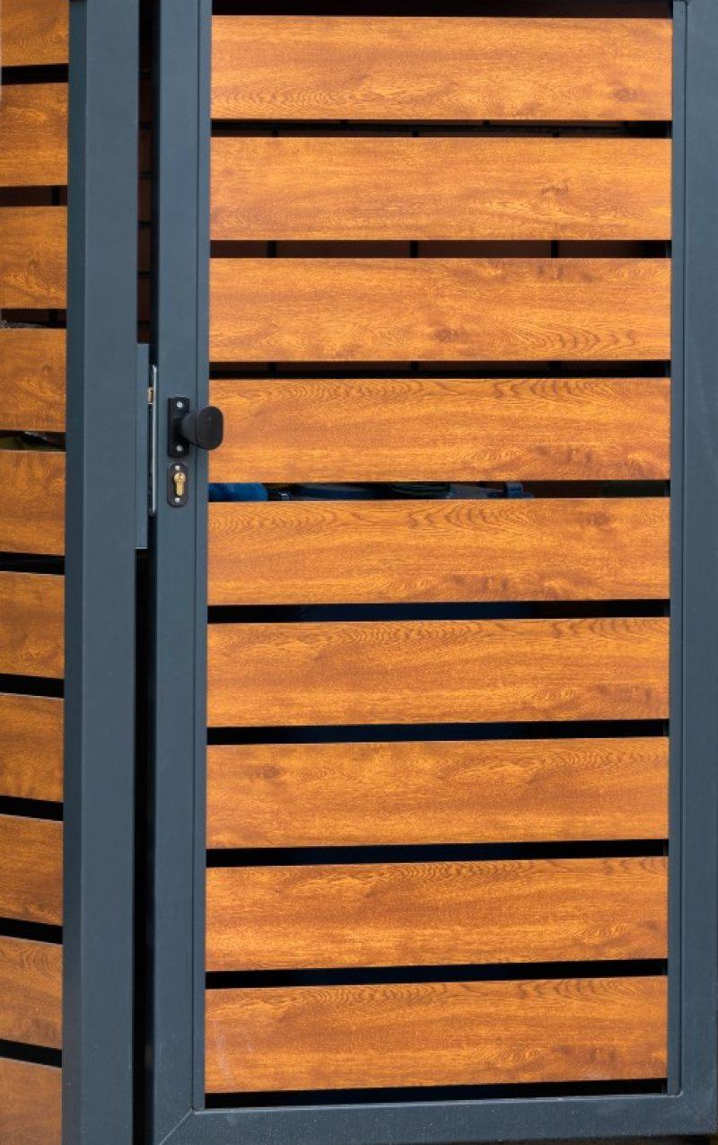 Ogrodzenie - Przykład wiaty śmietnikowej typu Wood Extend